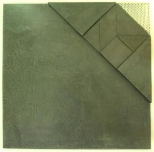 Haar_composition au tangramoïde, plomb et tôle d'acier perforée sur bois